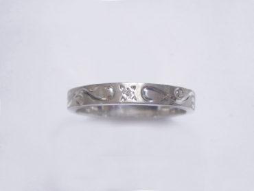 手彫りアラベスクとダイヤのリング・細