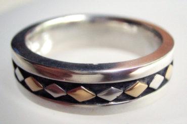 K18とSVのダイヤモチーフのリング