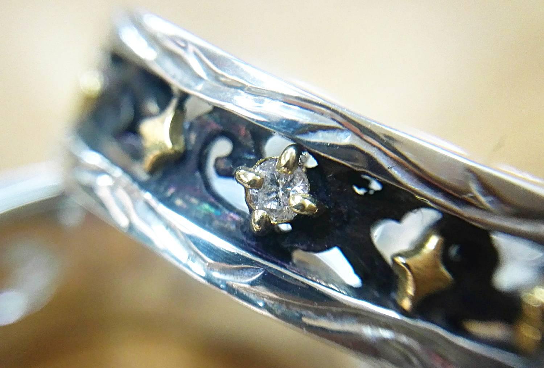 アップ。いちばん星に見立てたダイヤがきらり。
