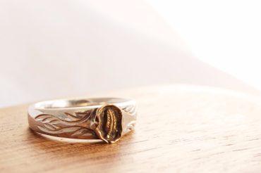 金の羽のリング