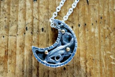 月の宝箱ネックレス・ブラック