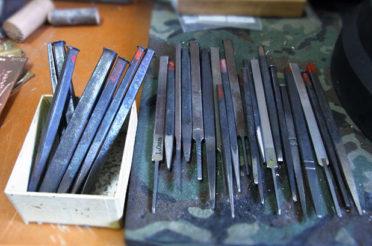 工房の道具 タガネ