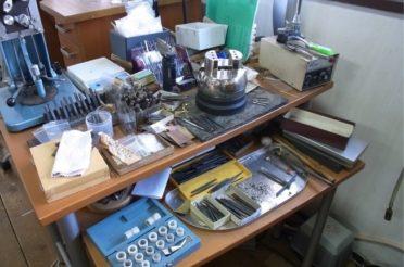 工房の道具 彫刻台 ヤニ台