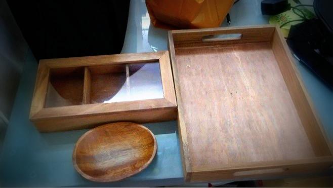 木製のトレーなど