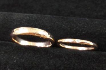 オーダーでピンクゴールドの結婚指輪をお作りしました。